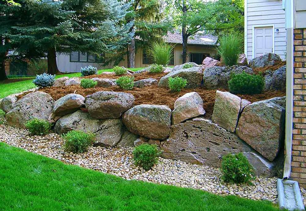 Moss-Rock-Boulder-Retaining-Wall